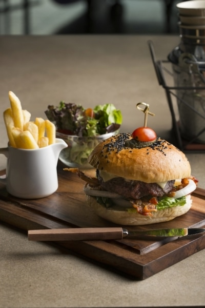 SO Sofitel black label burger product photo